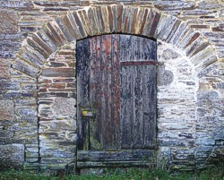 Distinctive archway in the Deer Park Farm buildings
